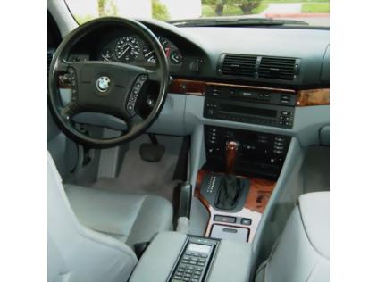 Incar BMW 5 (E39)