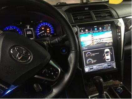 Штатная магнитола в стиле Tesla для Toyota Camry V55 (2015-2018) Carmedia