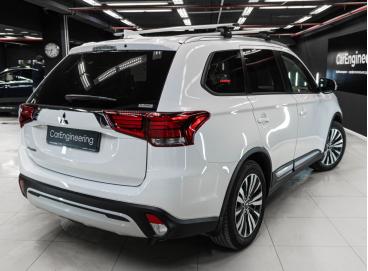 Шумоизоляция Mitsubishi Outlander